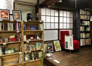 女性も楽しめる吉原…遊郭専門の書店「カストリ書房」の魅力