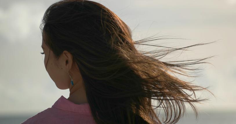 シャンプーの香りを嗅ぐと…(写真:iStock)