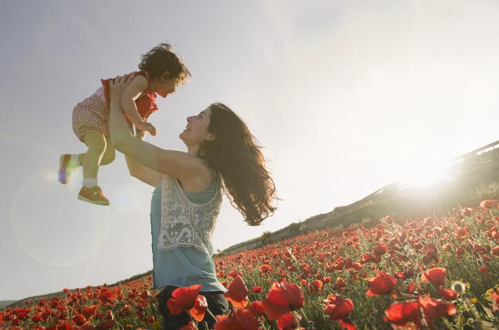 ママが笑顔なのが一番(写真:iStock)