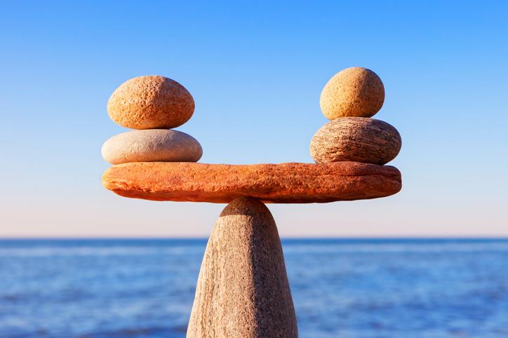 価値観が近いほうが親しくなれる(写真:iStock)
