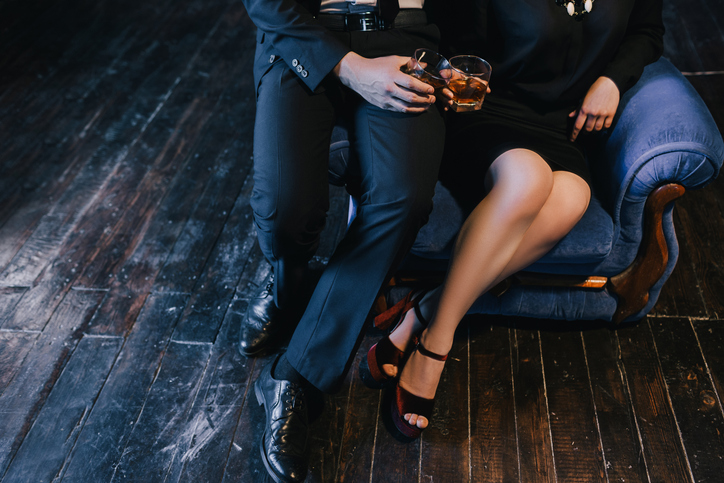 お酒の勢いには逆らえない(写真:iStock)