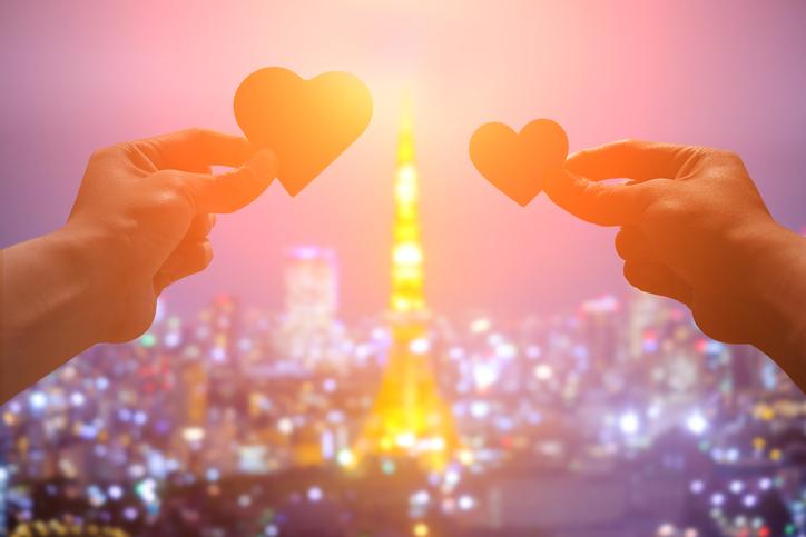 人が恋に落ちるということは素晴らしきこと(写真:iStock)