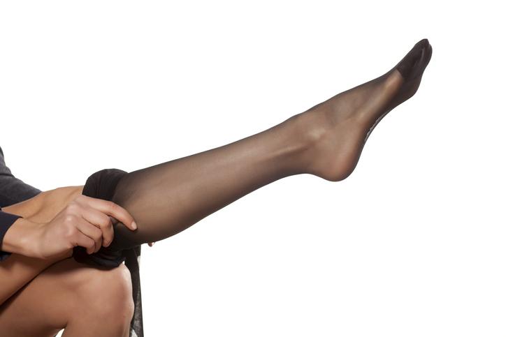 ストッキングを履いた足にドキドキ(写真:iStock)