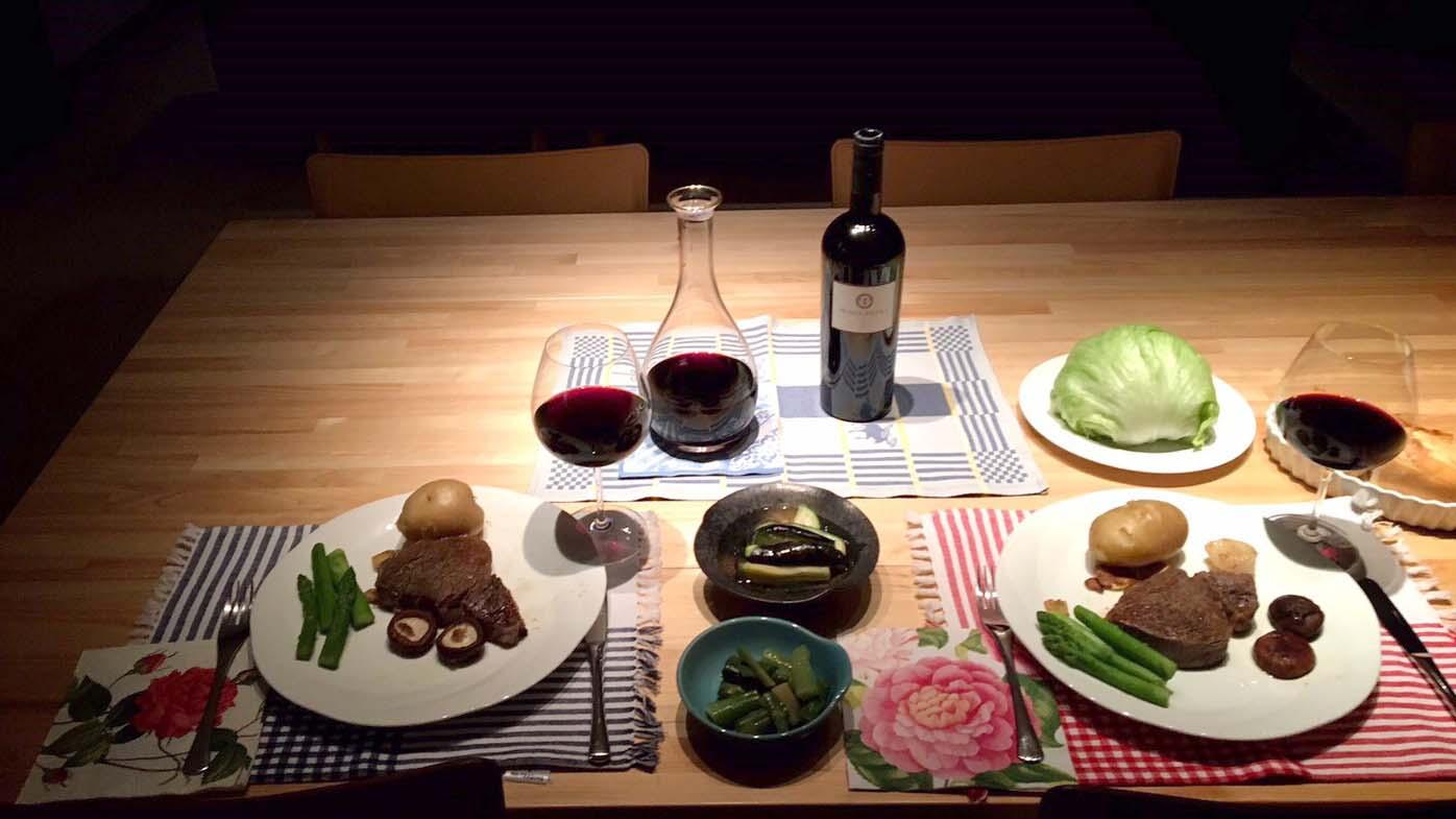イチャイチャできる食卓(C)小悪魔ドルチェ寿司