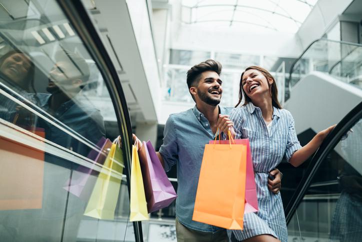 ショッピングデートは楽しいけれど(写真:iStock)