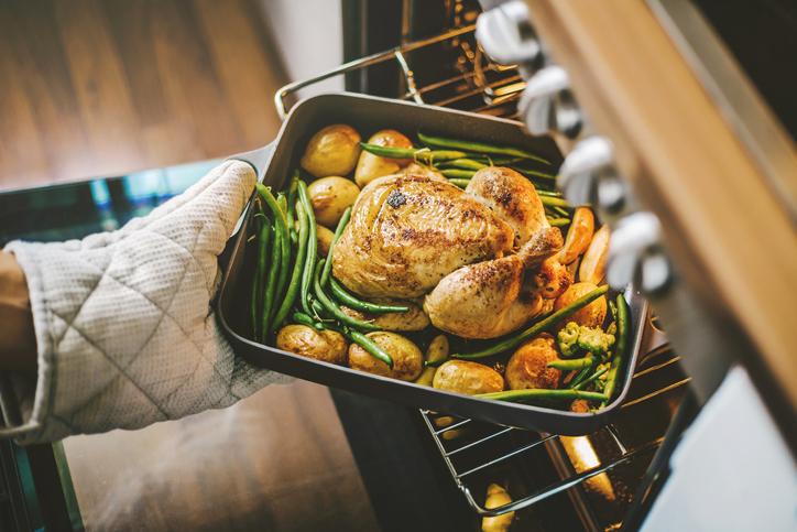 男性が作った料理の方が圧倒的に上手かったりして…(写真:iStock)