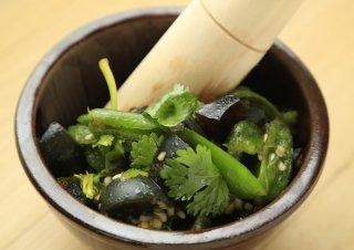 生青唐辛子の風味でお酒が進む 中国・湖南料理「咸鮮辣」