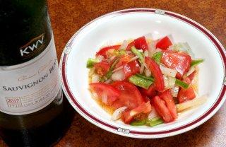 お酢を使わないから野菜が甘い「トマトとタマネギのサラダ」