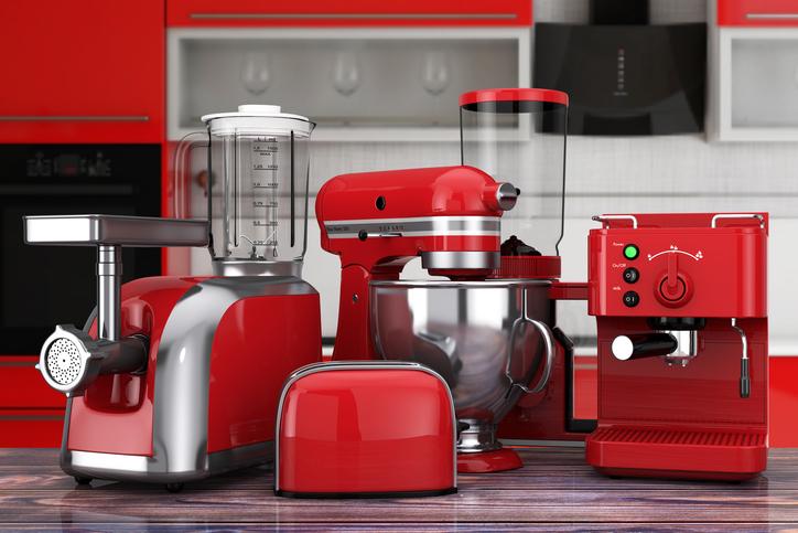 使えもしない調理器具で見栄を張る(写真:iStock)