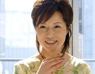 磯野貴理子さんの離婚に揺れる 年下男子と恋愛中の年上女性
