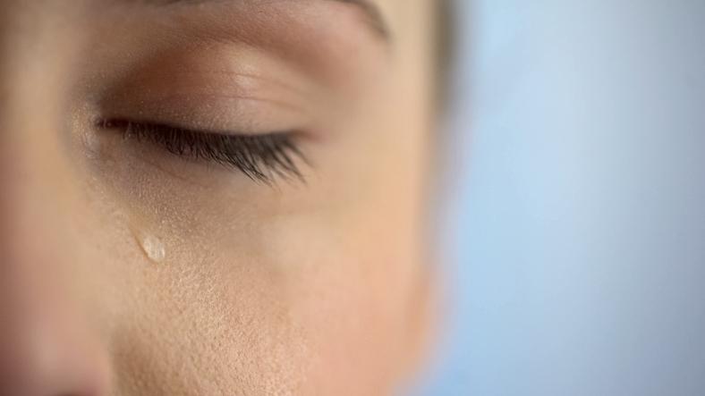 年上女性は申し訳なさを抱え交際している(写真:iStock)