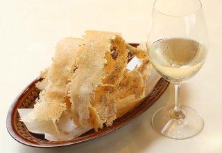「ちりめんパルメジャーノ」粉チーズを焼いて楽しむ新食感