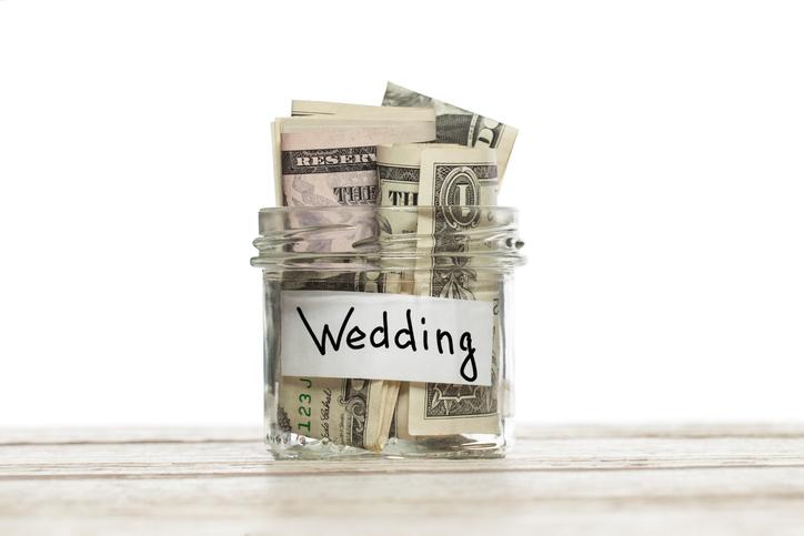 結婚式はお金がかかる(写真:iStock)