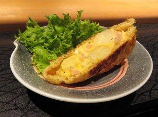 「ポテトサラダの稲荷焼き」じゃがいもの甘みを油揚げにイン