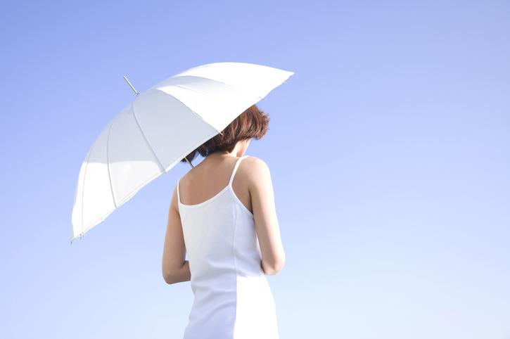 あなたの日傘は大丈夫?(写真:iStock)