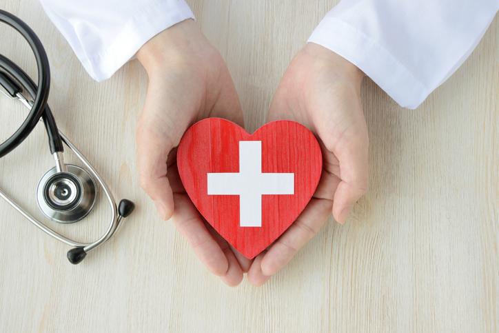 介護施設と病院なにが違う?(写真:iStock)
