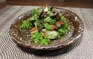 簡単万能ソースで南仏の味を楽しむ「タコのマリネ香草風味」