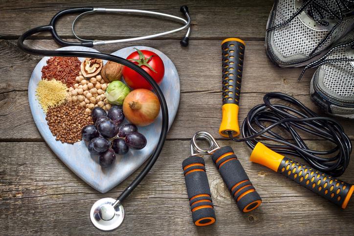 生活習慣を変えることが早めの介護予防になる(写真:iStock)