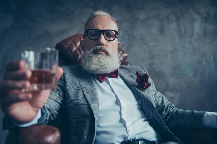 思い切り年上の男性を狙ってみる?(写真:iStock)