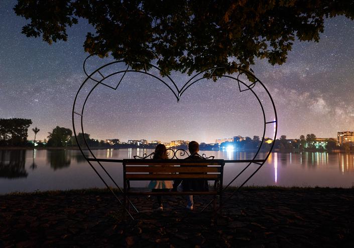 シチュエーションが恋の後押し(写真:iStock)