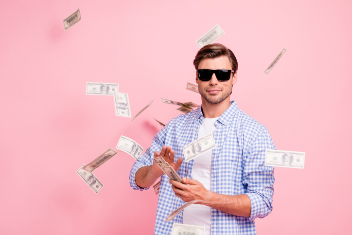 お金持ちに見られたい?(写真:iStock)