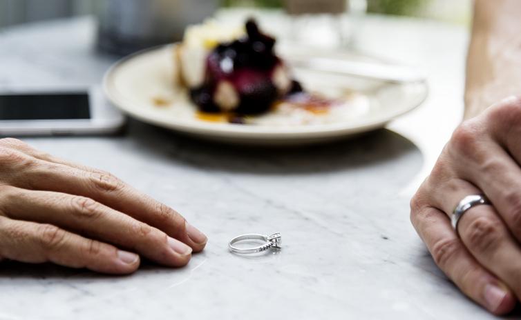 離婚理由でおなじみの「性格の不一致」と「価値観の違い」(写真:iStock)