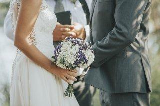 晩婚派?早婚派? 若い2人が結婚すると起きる幸せなこと5つ