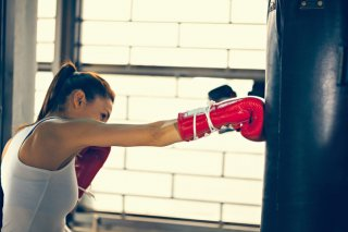 ストレス発散や美肌にも…キックボクシングで女性の悩み解決
