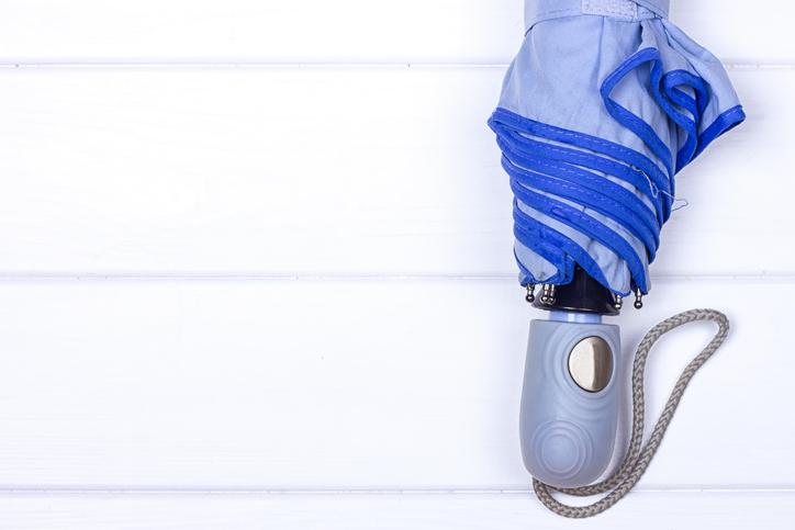折り畳み傘が出てきたら完璧(写真:iStock)