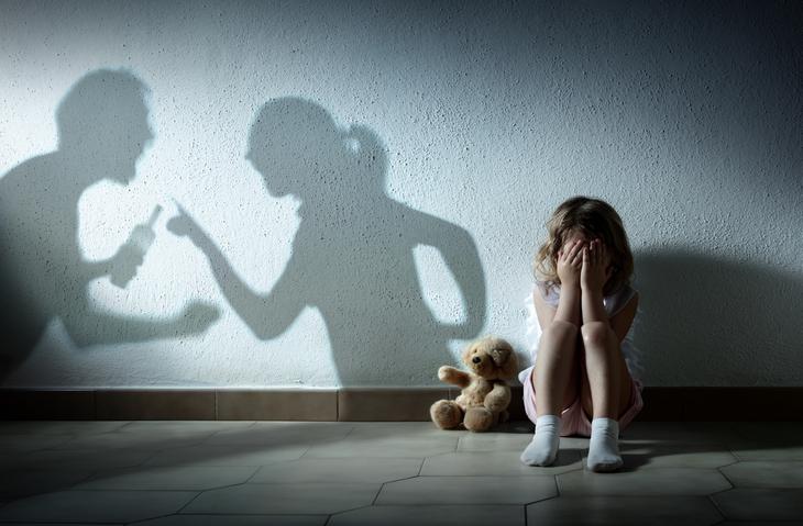 子供が犠牲になるケースも(写真:iStock)