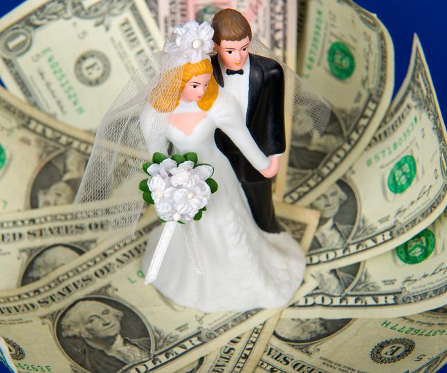 経済力目当てで結婚?(写真:iStock)