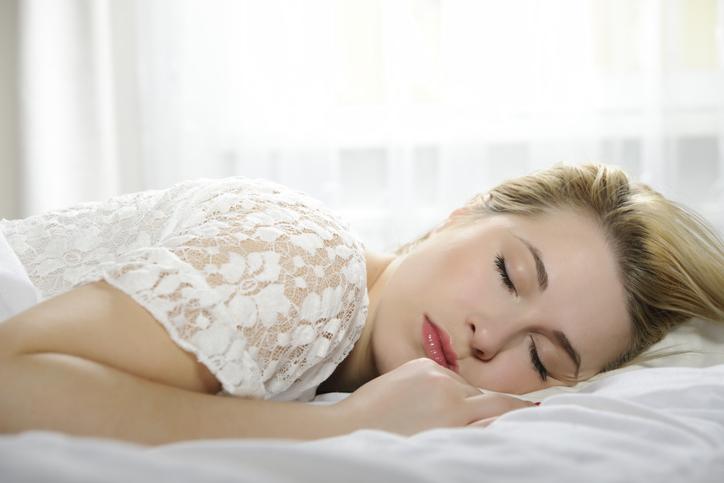 うつぶせ寝はだめ(写真:iStock)