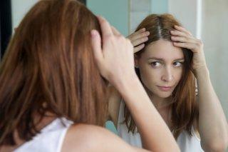白髪を抜くと増えるの? 白髪染めの前に始めたい対処法6つ