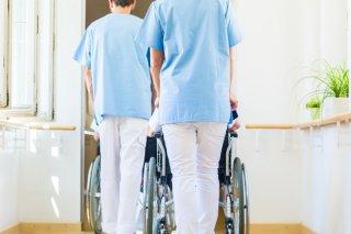 親の介護施設入所に罪悪感を感じないで! 施設のメリット3つ