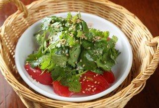 赤と緑が目にも鮮やか 「トマトパクチー」で残暑を乗り切る