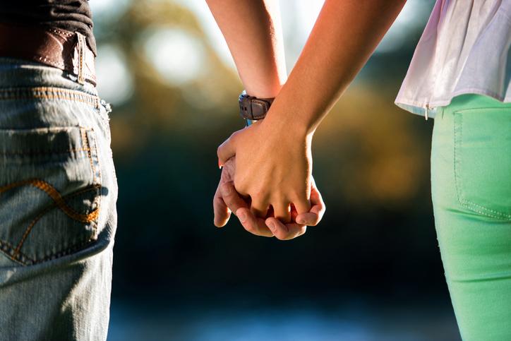 2人の距離がもっと近づく♪(写真:iStock)