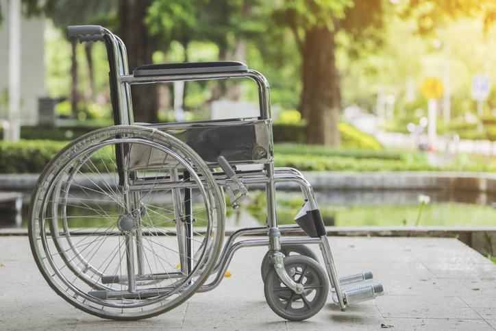 車椅子も介護保険で賄える(写真:iStock)