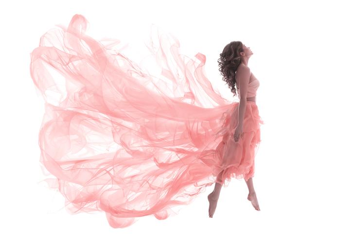 バレリーナをお手本に日頃から美姿勢を!(写真:iStock)