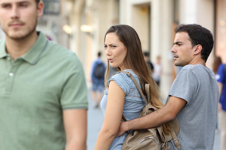 他の男性のことばかり褒めてない?(写真:iStock)