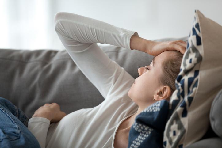 妊娠中でさえ、家庭に関心を示さない(写真:iStock)