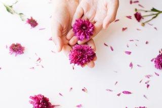 花弁の先でチロチロと…なぶるように刺激しても気持ちイイ
