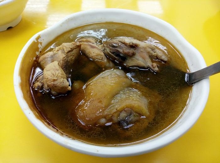 体を芯から温めてくれるスープ(写真:インリン)