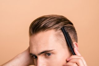 脂くさい&フケのある彼の頭…こっそり劇的に改善するなら?