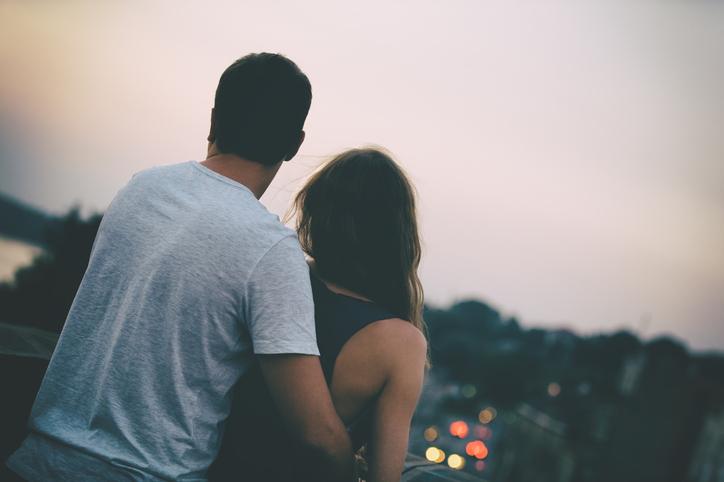 友達以上恋人未満な関係にハマる(写真:iStock)