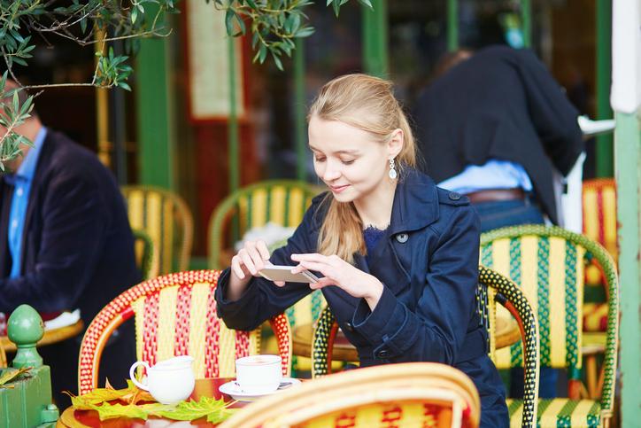 結婚後もSNSを使いこなして美意識をキープ(写真:iStock)
