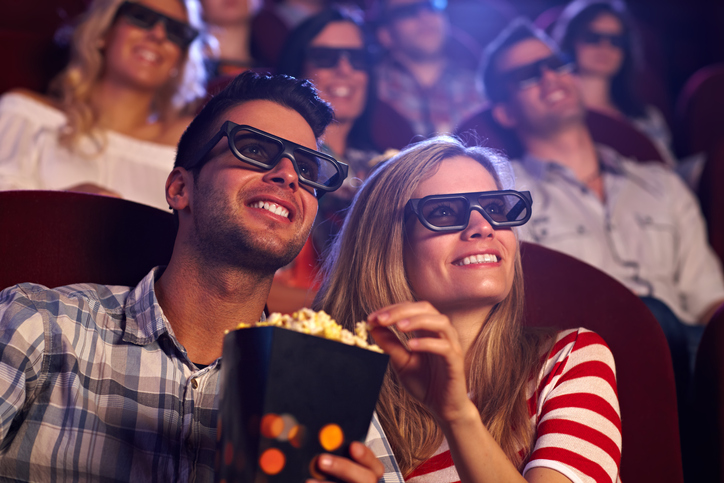 レンタル彼氏と映画館に行く女性は意外と多い(写真:iStock)