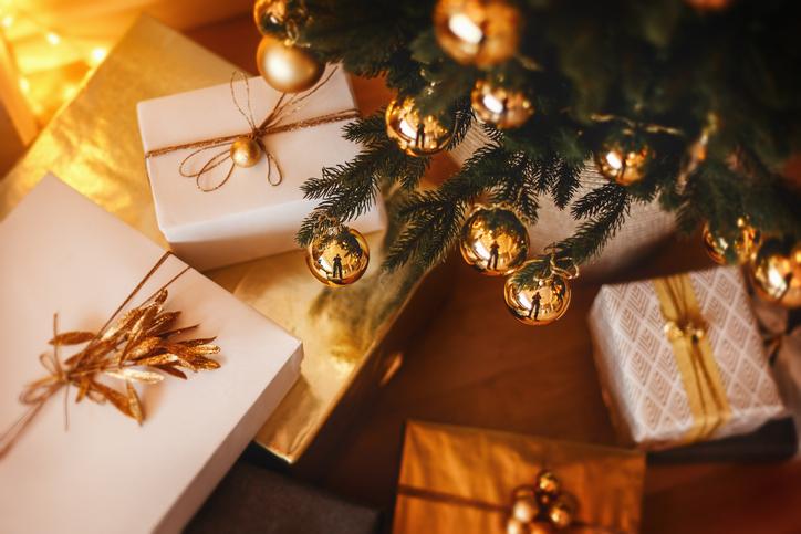 プレゼントを二種類用意する(写真:iStock)