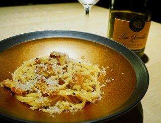 「カルボナーラ」多めの茹で汁でクリーミーな仕上がりに