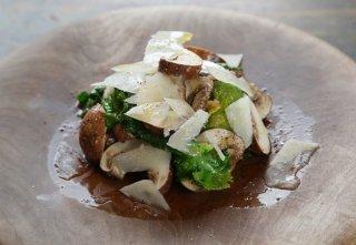 2つの新食感「生マッシュルームとプチヴェールのサラダ」