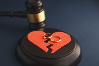 夫に浮気されたサレ妻体験談…奥様たちはその時どうした?